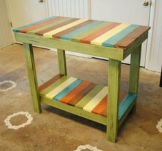 pallet table, dont like the paint but love the style
