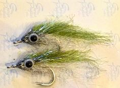 A pair of minnow flies I'll be using to fish the dock lights tonight for #snook #saltwaterflyfising