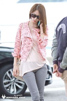 Find images and videos about kpop, snsd and girls generation on We Heart It - the app to get lost in what you love. Snsd Airport Fashion, Snsd Fashion, Korean Fashion, Girl Fashion, Womens Fashion, Yoona Snsd, Kpop Outfits, Airport Style, Casual Street Style