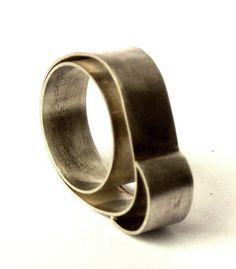 Jewelry Art, Jewelry Rings, Silver Jewelry, Jewelry Design, Jewellery, Geometric Jewelry, Carp, Girls Accessories, Finger Food