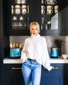 How do you like your toast in the morning? I like mine browned so the spread sinks in due to the heat and makes it… Victoria Magrath, Design Your Kitchen, Classy Chic, New Instagram, Pretty And Cute, New Wardrobe, What To Wear, Winter Fashion, Style Inspiration