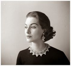 vintage everyday: Beautiful Black and White Fashion Photography by Nina Leen in the 1940s and 1950s
