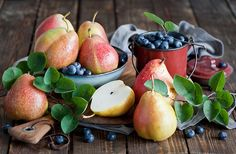 followthewestwind:  pears (by The Little Squirrel)