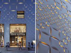 Adding light to create woven effect - Se agrega luz para crear efecto de tejido  //  Jun aoki's tokyo louis vuitton store features patterned façades