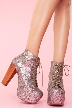 Walk a mile in new high heels, sandals, flats, ankle booties or whatever takes your fancy. Shop all women's shoes at Nasty Gal. Heeled Boots, Bootie Boots, Glitter Boots, Glitter Lips, Creative Shoes, Cute Slippers, Beautiful High Heels, Baskets, Stylish Boots
