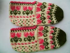 Shop for slippers on Etsy, the place to express your creativity through the buying and selling of handmade and vintage goods. Fair Isle Knitting, Knitting Socks, Hand Knitting, Knitted Booties, Women's Booties, Baby Knitting Patterns, Womens Slippers, Crafts To Make, Tejidos