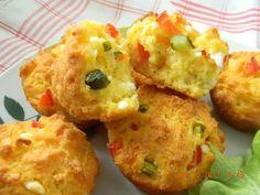 Проя е вид печиво в сръбската кухня, което е направено от царевично брашно.Приготвя се бързо и лесно. Продукти 1ч.ч. царевично брашно 1ч.ч. брашно 1/2ч.ч. олио 1 1/2ч.ч. кисело мляко 1ч.л. сол 1 пак. бакпулвер 1 яйце 200гр. натрошено сирене по желание може да се прибавят ситно нарязан бекон(шунка), червена чушка, кисела краставичка. Приготовление Всичките [...]
