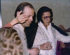 Elvis - West Palm Beach 13th Feb 1977 - tired but still entertaining the fans.