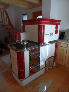 Kachelherde Daniela Feistritzer Lieserbrücke Antique Stove, Rocket Stoves, Kitchen And Bath, Vintage Kitchen, Vintage Decor, Sweet Home, Kitchen Appliances, House Design, House Styles
