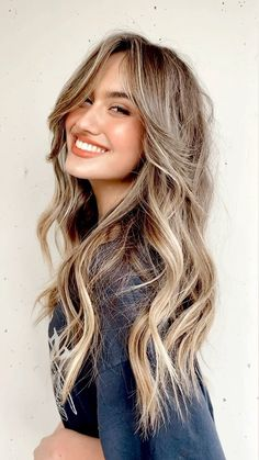 Girly, Beautiful Hair Color, Hairbrush, Curtain Bangs, Hair Color And Cut, Hair Affair, Light Hair, Face Hair, Hair Highlights
