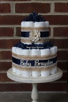 2 Tier Mini Navy and Burlap Diaper Cake, Burlap Lace, Cottage Chic Baby Shower… Cadeau Baby Shower, Diaper Shower, Baby Shower Crafts, Baby Shower Diapers, Bebe Shower, Deco Baby Shower, Baby Boy Shower, Diy Diaper Cake, Nappy Cakes
