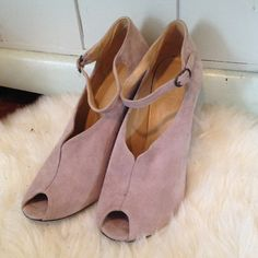 Coclico lilac suede open toe bootie never worn open toe lilac suede Coclico bootie, size 38 but best fits 7-7.5. Coclico Shoes