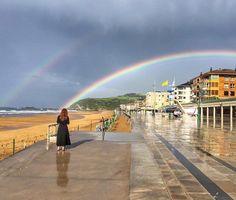 Zarautz-Gipuzcoa/Euskadi-Euskal Herria-Basque Country-Pays Basque/Loves Euskadi-Loves World/Sisters and the City