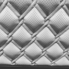 Chain link diamond stitching by What do you think? Car Interior Upholstery, Automotive Upholstery, Automotive Carpet, Automotive Design, Custom Car Seats, Custom Cars, Sewing Leather, Leather Fabric, Custom Car Interior