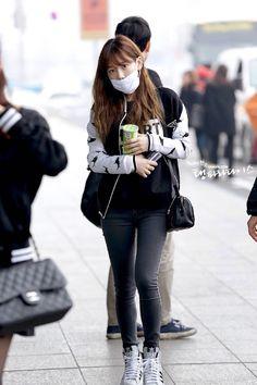 TaeYeon Airport Fashion #SNSD