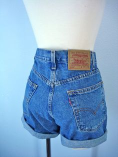 1980s Levi Shorts / High Waist Denim Shorts / Levis Shorts.