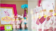 Tags personalizadas * Design feito com amor! By #amareatelier | Lu Wonderland | Foto por Graciella Kaneblai | Produção Xícara Decor | #party #birthday #design #scrap #krafts #diy #alice #wonderland | facebook.com/amareatelier