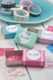 DIY idea: wishes in the matchbox - little. - Matchboxes with creative content: whether birthday greetings or a small gift insert: with this DIY - Diy Gifts For Girlfriend, Diy Gifts For Friends, Diy Gifts For Kids, Bff Gifts, Gifts For Coworkers, Boyfriend Gifts, Little Box, Idee Diy, Simple Gifts