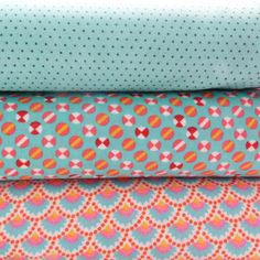 Tissu Petit Pan 100% coton sur 1,45 m de large Peter Pan, Fabulous Fabrics, Fabric Ribbon, Diy, Textiles, Quilts, Blanket, Sewing, Collection