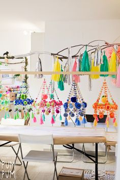 A polish chandelier, known as pajaki (Polish for spiders of straw) traditionally decorative piece combines the best of both worlds; pretty décor with practical purpose It is designed to brighten up the space with bold spring blooms during the long - d Chandelier Planter, Paper Chandelier, Diy And Crafts, Crafts For Kids, Arts And Crafts, Paper Crafts, Kids Workshop, Craft Projects, Projects To Try