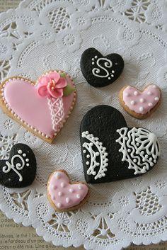 Que tal uma fornada de biscoitinhos de coração? #diadosnamorados