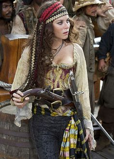 Pirate Queen Inspiration til (en ung?) Mamma (Captain Ruth Bloodtie)