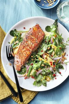 Peppery watercress has a high amount of dietary nitrate—which has been shown to lower blood pressure. And fiber-rich mango gives a nice boost of vitamin C. Heart Healthy Recipes, Baby Food Recipes, Dinner Recipes, Delicious Recipes, Salmon Recipes, Seafood Recipes, Vegetarian Recipes, Clean Eating Recipes, Healthy Eating