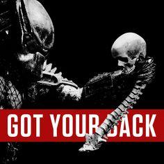 Got your back. Movie Spoiler, Alien Vs Predator, Xenomorph, Marvel Art, Types Of Art, Dark Knight, Great Movies, Black Panther, Science Fiction