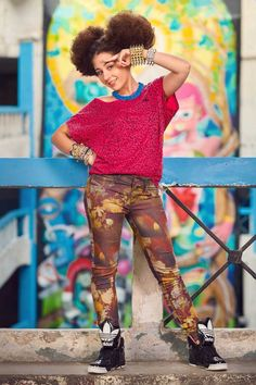 "Nicole Cherry lanseaza un nou videoclip, pentru piesa ""Phenomeno"" Play, Style, Fashion, Video Clip, Swag, Moda, Fashion Styles, Fasion"