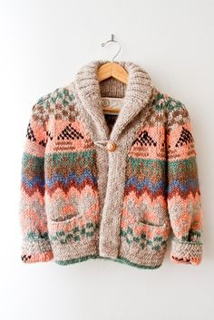 in love with this beautiful sweater <3<3<3