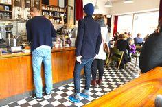 Beanie: Norse projects  Jacket: Filippa K Jeans: Edwin jeans   Sneakers: Nike ¨elite¨ Gloves: Filippa K