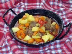 HOLA!!!! Hoy he preparado el plato típico de la sierra de Bejar.. Este plato se prepara durante la conmemoración de la virgen del castañ...