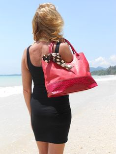 FOR MORE BAGS,  VISIT OUR WEBSITE:  WWW.DIODONNA.NL