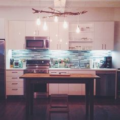 Now all I need are some bar stools and I think the kitchen will be complete - Fellow Rodriguez-David- Kitchen Dinning Room, Kitchen Decor, Dream Apartment, House Rooms, Home Decor Inspiration, Home Kitchens, Home Goods, Living Spaces, Interior Decorating