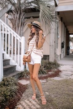 Beach Vacation Outfits, Summer Outfits, Summer Clothes, Trendy Outfits, Hipster Fashion, 80s Fashion, New Books, Books To Read, Southern Curls And Pearls