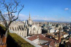 I 10 luoghi segreti di Milano Central Europe, Mediterranean Sea, Trekking, Paris Skyline, Places To Go, Italy, Mansions, House Styles, Santa Maria