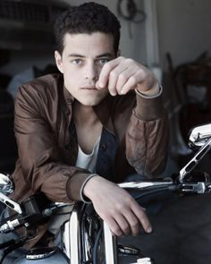 Rami Malek is playing Benjamin in Breaking Dawn: Part 2!!
