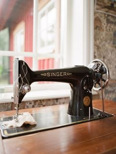 Would love this Singer sewing machine.  I don't know the tricks of the trade, but my mama can teach me @theresa rovida