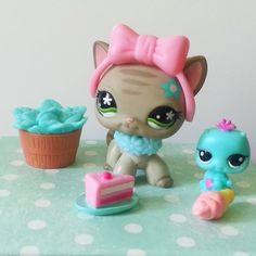 Littlest Pet Shop Cat 483 Short Hair Grey Stripe Flower Bow Necklace Cake Fairy  #Hasbro