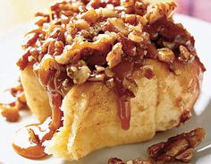 Recipe for Gooey Cinnamon Sticky Buns, as seen in the February 2006 issue of 'O, The Oprah Magazine. Best Brunch Recipes, Breakfast Recipes, Dessert Recipes, Favorite Recipes, Breakfast Dishes, Just Desserts, Delicious Desserts, Yummy Food, Mini Desserts