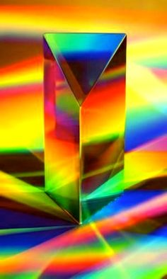 ** Rainbow colors - I love prisms and crystals that throw rainbows! Taste The Rainbow, Over The Rainbow, World Of Color, Color Of Life, Color Splash, All The Colors, Vibrant Colors, Foto Macro, Psy Art