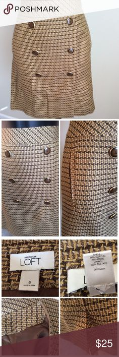 """Ann Taylor Tweed Skirt Beautiful brown & cream colored lined skirt. Zipper on the side. Measures 32"""" around the waist and 19"""" in length. Excellent condition. Ann Taylor Skirts Asymmetrical"""