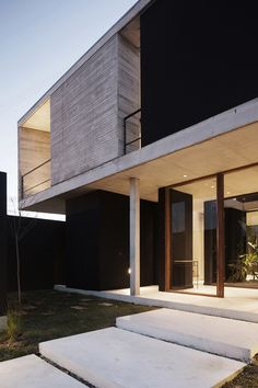 Residence in Argentina by Amado Cattaneo Residential Architecture, Contemporary Architecture, Architecture Details, Interior Architecture, Contemporary Design, House Cladding, Facade House, Arch Building, Building A House