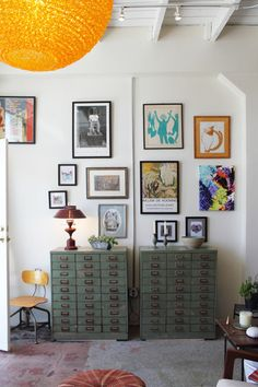 Hmmm gallery walls... how I dream of making my own.