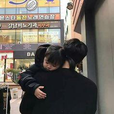 Resultado de imagem para korean couple ulzzang having ice cream