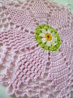 FREE CROCHET PATTERN: Supreme Double Daisy | Susan Pinner