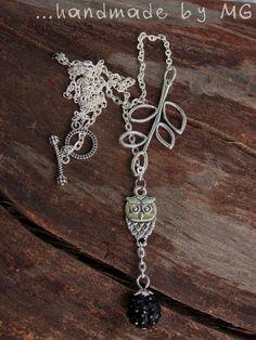 For sale. Pôvodne som si tento náhrdelník vyrobila pre seba, k šatám na svadbu mojej sestry. Nakoniec som však mala iné šaty./Necklace with owl and shamballa bead. Inspired by nature.  Zapínanie: americké zapínanie Dĺžka/Lenght: cca 29,5cm Cena/Price: 7,50€ + poštovné/postage