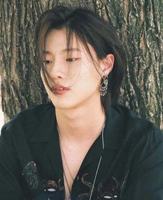 in this argument, i'd like to discuss why seungyoun should bring back his long hair.