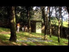 Aula 4 Nueva edición - Unidad 3: El turista accidental - (con subtítulos) - YouTube : Visita de la ciudad de Santiago de Compostela.