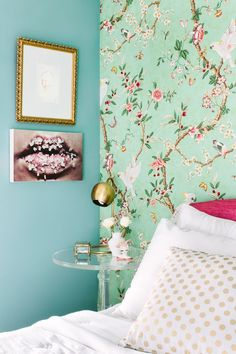 The Difference Between Modern Interiors And Traditional Interior Home Design Floral Bedroom Decor, Home Decor Bedroom, Bedroom Ideas, Bedroom Modern, Bedroom Colors, Master Bedroom, Interior Design Games, Interior Decorating, Interior Paint